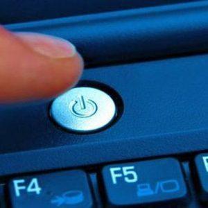 Что делать, если ноутбук сам включается и тут же выключается